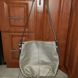 Like new COACH Silver pebble leather crossbody bag